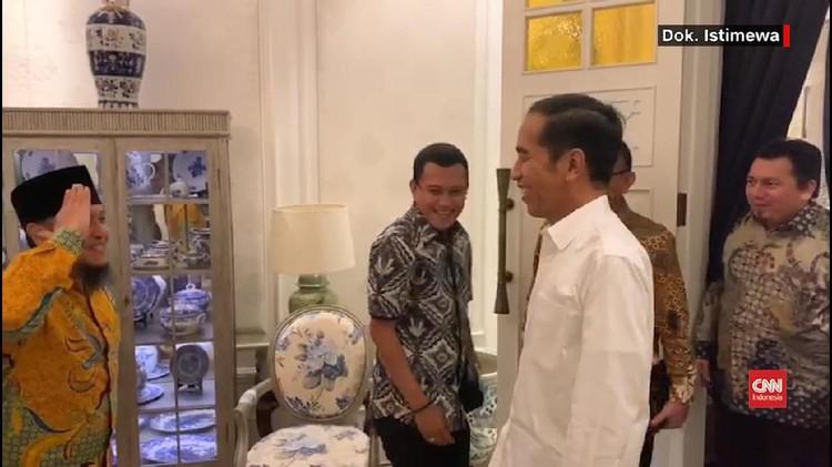 VIDEO: Hormat 'Siap Presiden' dari TKN ke Jokowi