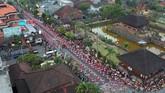 Selain merayakan Hari Tari Sedunia, mereka juga menggelar Festival Semarapura 2019 yang merupakan rangkaian peringatan Hari Puputan Klungkung ke 111 dan HUT Kota Semarapura ke-27. (ANTARA FOTO/Fikri Yusuf)