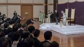 Akihito berharap kekaisaran selanjutnya yang dipimpin oleh sang anak, Putra Mahkota Naruhito, bisa membuat Jepang tetap makmur. (The Imperial Household Agency of Japan via AP)