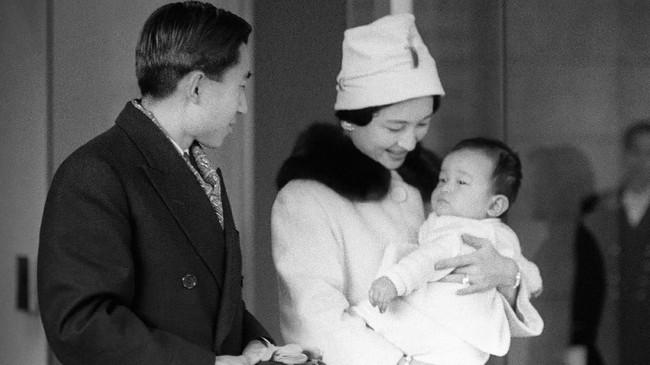 Pernikahan Putera Mahkota Akihito dengan Puteri Mahkota Michiko pada 10 April 1959 (Kyodo/via REUTERS)