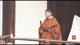 VIDEO: Kaisar Akihito Awali Proses Turun Takhta Dengan Berdoa