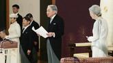 Akihito menjadi kaisar pertama Jepang yang tidak lagi mempunyai kekuasaan mutlak. Dia juga menjadi kaisar pertama yang turun takhta selama dua abad terakhir. (Japan Pool via AP)