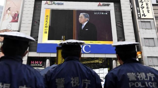 Putra Mahkota Naruhito bakal memulai era kekaisaran baru yang diberi nama Reiwa melalui sebuah upacara singkat pada Rabu (1/5). (Photo by Toshifumi KITAMURA / AFP)