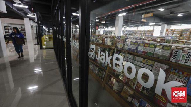 Ada 'Surga Buku' di Antara Toko Pompa dan Kabel Pasar Kenari