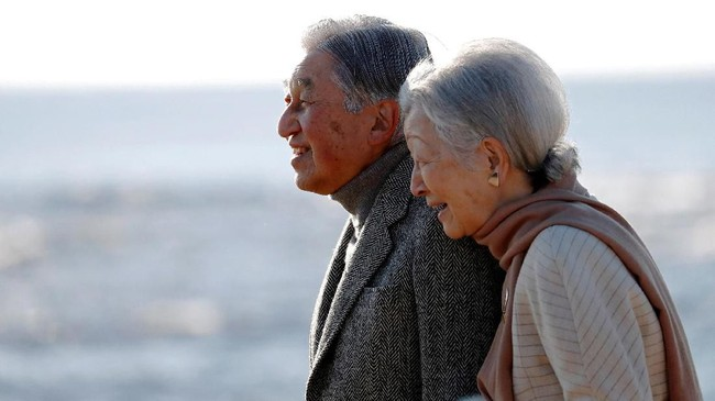Setelah turun tahta, dalam pernyataan terakhirnya Akihito berharap kekaisaran yang dipimpin Putra Mahkota Naruhito, bisa membuat Jepang tetap makmur.(REUTERS/Issei Kato)
