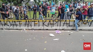 Coretan Buruh di Separator Transjakarta: Rezim Fasis