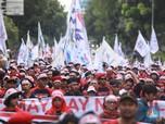 May Day! Ribuan Buruh Seruduk Istana Negara