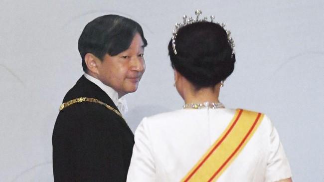 Prosesi naik takhta Naruhito tidak selesai sampai di sini. Masih ada sejumlah upacara lainnya yang harus dilangsungkan Naruhito, termasuk penobatan secara resmi pada 22 Oktober mendatang. (Kyodo/via REUTERS)