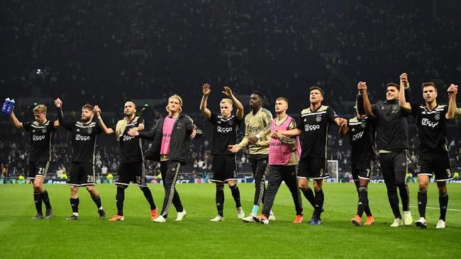 Ajax Amsterdam hanya butuh hasil imbang untuk bisa menggenggam tiket final Liga Champions musim ini. (REUTERS/Dylan Martinez)