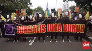 Polisi Injak-injak Lutut Wartawan Saat May Day di Bandung