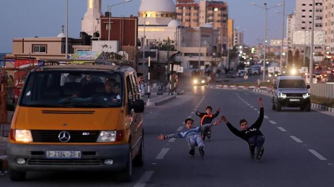 Salah satu misi mulia Gaza Skate Team adalah mengubahenergi yang digunakan untukperang menjadi berolahraga.