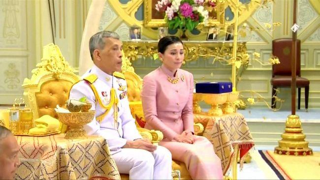 Raja Menikah Jelang Pelantikan, Thailand Punya Ratu Baru