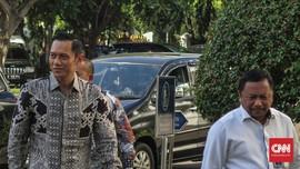 AHY Ketemu Jokowi di Istana Naik Mobil Pelat 2024