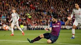 Luis Suarez mencetak gol pertama di Liga Champions musim ini. Setelah melepaskan 36 tembakan, El Pistolero baru berhasil mencatatkan nama dalam daftar pencetak gol Liga Champions 2018/2019. (Action Images via Reuters/John Sibley)