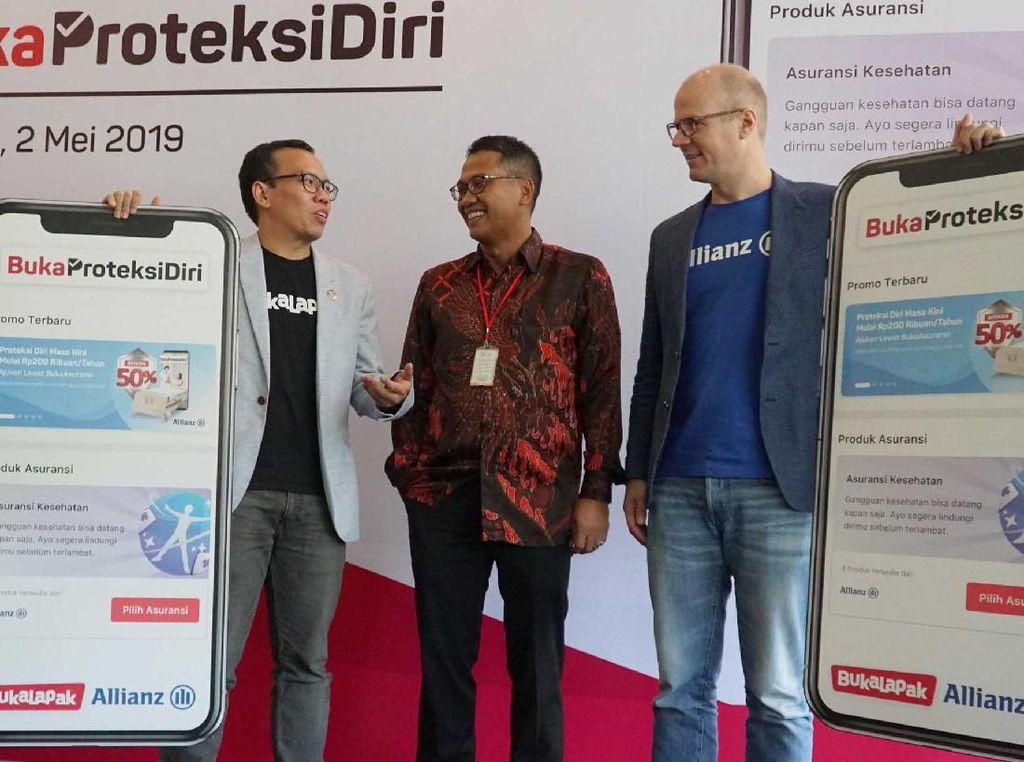 Produk asuransi kolaborasi Bukalapak dengan Allianz Life Indonesia ini adalah produk asuransi kesehatan pertama yang ditawarkan untuk memberikan pengalaman digital melalui aplikasi marketplace Bukalapak. Istimewa