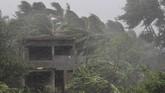 India porak poranda akibat terjangan Badai Fani yang membawa angin berkecepatan 200 kilometer per jam pada Jumat (3/5). (AP Photo)