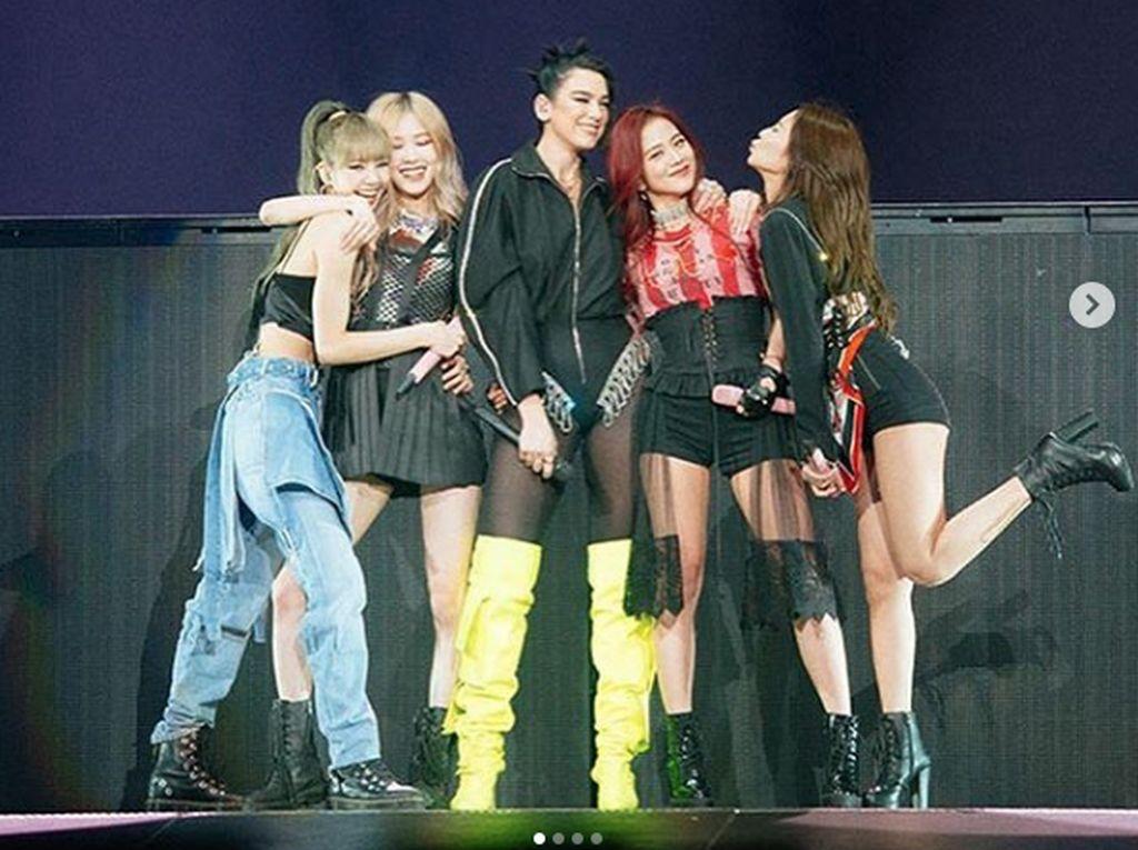 Penampilan mereka pun menjadi sorotan seluruh netizen. Dok. Instagram/blackpinkofficial