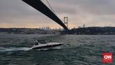 Daya tarik Turki juga terletak pada Selat Bosphorus. Selat ini yang memisahkan Istanbul bagian Eropa dan Asia. (CNNIndonesia/Agustiyanti)