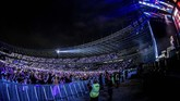 Jakarta menjadi persinggahan terakhir Ed Sheeran untuk tur konser yang sesuai dengan judul album ketiganya, ÷ (Divide).(PK Entertainment, Sound Rhythm dan AEG Presents)
