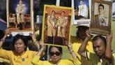 Raja Vajiralongkorn merupakan raja Thailand kesepuluh yang mengisi takhta setelah ayahnya , Raja Bhumibol Adulyadej meninggal dunia pada Oktober 2016. (REUTERS/AthitPerawongmetha)