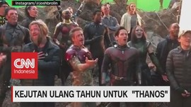 VIDEO: Thanos Ultah, Tim Avengers Bernyanyi