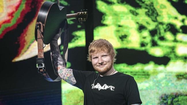 Lagu 'You Need Me, I Don't Need You' menutup malam yang terasa syahdu dengan iringan petikan gitar Sheeran selama nyaris dua jam.(PK Entertainment, Sound Rhythm dan AEG Presents)