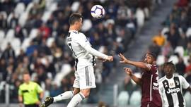 Ronaldo Cetak Gol Sundulan ke-100 di Laga Juventus vs Torino