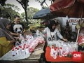 Mengalap Berkah Rupiah dari Sekantong Kembang Nyekar