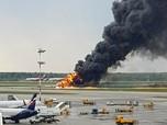 Tragis, Pesawat Sukhoi Terbakar & Tewaskan 41 Orang di Rusia