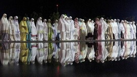 Niat, Bacaan, dan Doa Shalat Ghaib untuk BJ Habibie