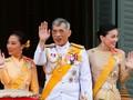 Raja Thailand Sapa Rakyat dari Balkon Istana Usai Pelantikan