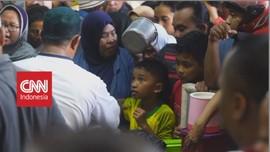 VIDEO: Keseruan Tradisi Bagi Bubur untuk Berbuka di Solo