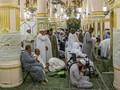 Antisipasi Corona, Saudi Perintahkan Tunda Salat di Masjid