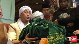 Opick Terima Rambut Nabi Muhammad dari Ulama Turki