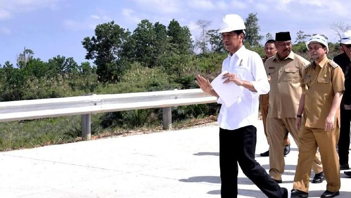 Jokowi Sambangi Bukit Soeharto di Kaltim, Calon Ibu Kota Baru