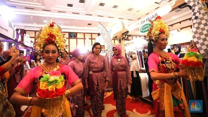Tema DhawaFest tahun ini adalah persembahan Elok Nusantara, yang diambil dari daerah Bali.