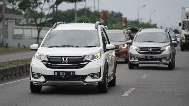 Honda BR-V <i>Facelift</i>, Paket Lengkap <i>Low</i> SUV