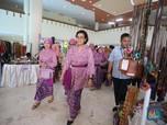 Sri Mulyani Cantik Berkebaya Sambil Kampanye Kurangi Plastik