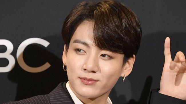 Polisi Resmi Jerat Jungkook 'BTS' Atas Kasus Tabrak Taksi