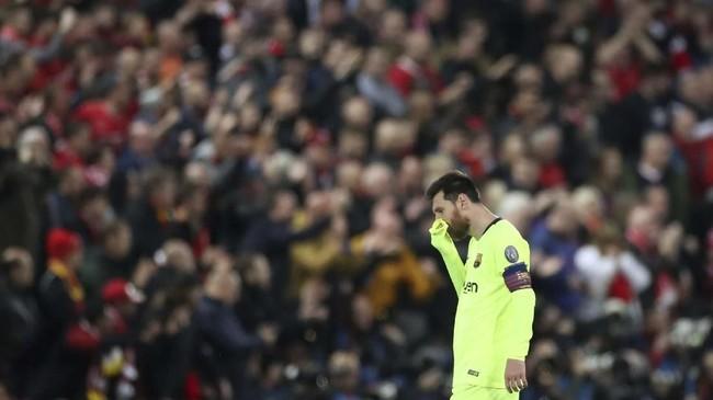Lionel Messi tidak bisa menghindarkan Barcelona dari kekalahan telak 0-4 yang membuat mereka gagal lolos ke final Liga Champions. La Pulga memberikan dua umpan kunci untuk Jordi Alba da Luis Suarez tetapi tak berujung gol. (Action Images via Reuters/Carl Recine)