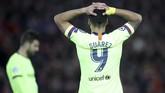 Penyerang Barcelona, Luis Suarez, tidak bisa berbuat banyak di laga ini setelah gagal mengulangi keberhasilan di leg pertama lalu dengan mencetak satu gol ke gawang Alisson Becker. (Action Images via Reuters/Carl Recine)