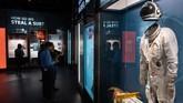 Museum ini ramai dikunjungi oleh pengunjung yang penasaran dengan sosok seorang mata-mata. (SAUL LOEB / AFP)