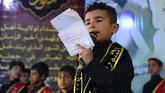 Sepertinya, usaha itu berhasil. Masjid-masjid kini kerap dipenuhi anak muda.(Haidar HAMDANI / AFP)