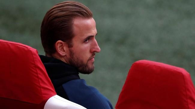 Harry Kane tetap ikut dengan skuat Tottenham Hotspur ke Amsterdam meski sudah dipastikan absen karena cedera lutut. (Reuters/Matthew Childs)