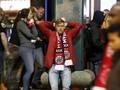 Ganggu Skuat Tottenham, Fan Ajax Tiru Suporter Liverpool