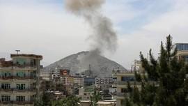 FOTO: Deru Peluru dan Bom saat Ramadan di Afghanistan