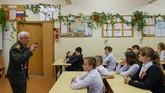 'Damai dalam keadaan kelaparan lebih baik ketimbang perang dalam keadaan kenyang,' ujar Begayev kepada cucunya. (Reuters/Maxim Shemetov)