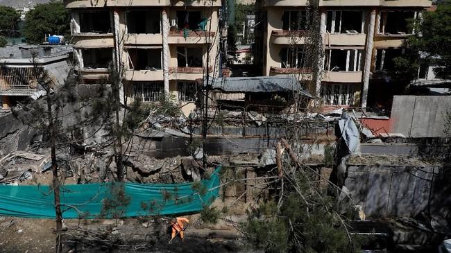 Serangan ini semakin menambah kekhawatiran akan nasib Afghanistan jika perundingan damai pemerintah dan Taliban tercapai. (Reuters/Omar Sobhani)