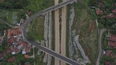 Jalan tol Cisumdawu yang akan digunakan adalah ruas Rancakalong hingga terowongan kembar akan difungsikan satu jalur untuk arus mudik tahun 2019. (ANTARA FOTO/Puspa Perwitasari).