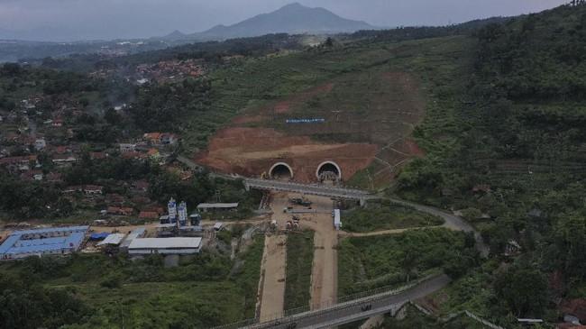 Jalan tol ini juga rencananya akan terintegrasi dengan Bandara Internasional Jawa Barat (BIJB) di Kertajati, Majalengka. (ANTARA FOTO/Puspa Perwitasari).